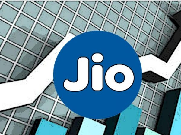 Telecom Operator Reliance Jio leads by  gaining 6.49 Lakh, mobile users in August